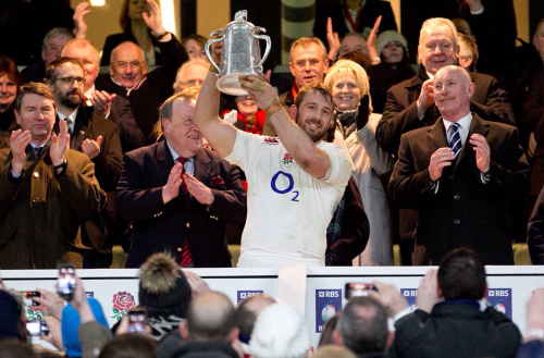 England beat Scotland to retain the Calcutta Cup and to keep their hopes of finally lifting a 6 Nations Championships alive. They have not won one since 2003!!